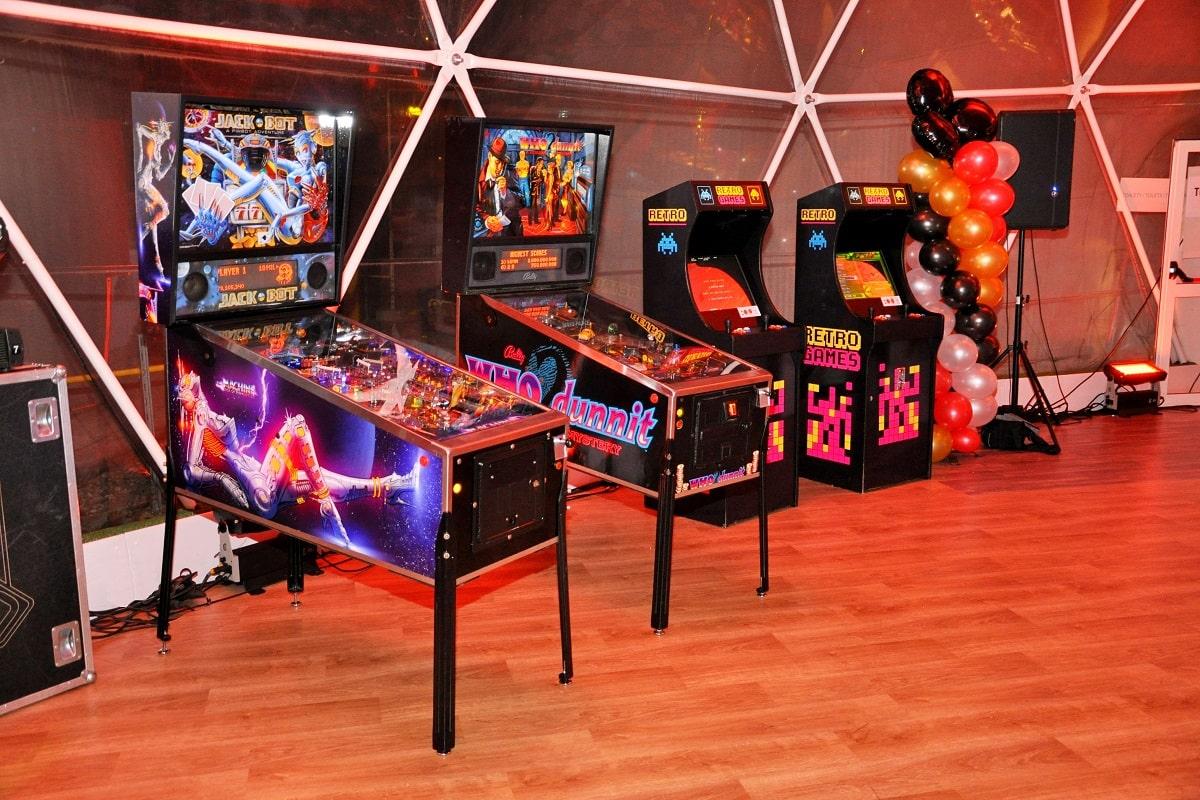 impreza w stylu kosmicznym i casino jako atrakcje na kosmiczną przygodę